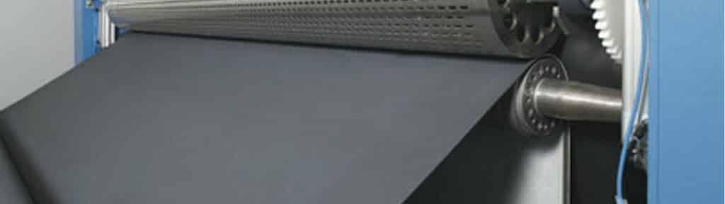 Cross lapper belt
